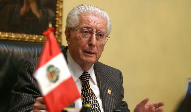 Photo of Falleció Javier Alva Orlandini, fundador de Acción Popular