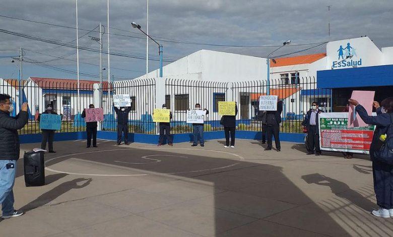 Photo of Trabajadores de EsSalud y Minsa protestaron exigiendo atención a sus reclamos
