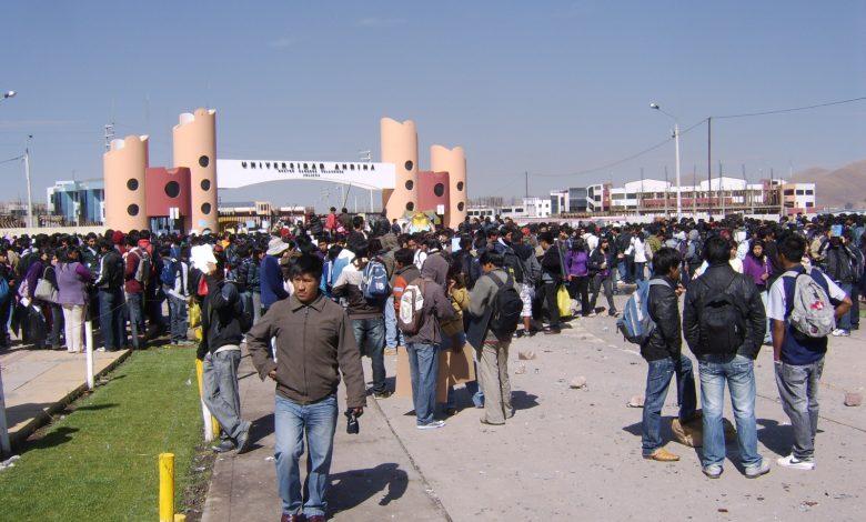 Photo of Universidad Andina se queda sin alumnos tras negarse su licenciamiento
