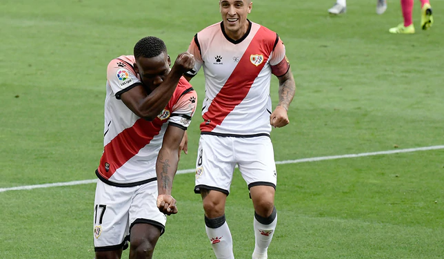 Photo of Luis Advíncula marca tremendo golazo en el reinicio del fútbol español [VIDEO]