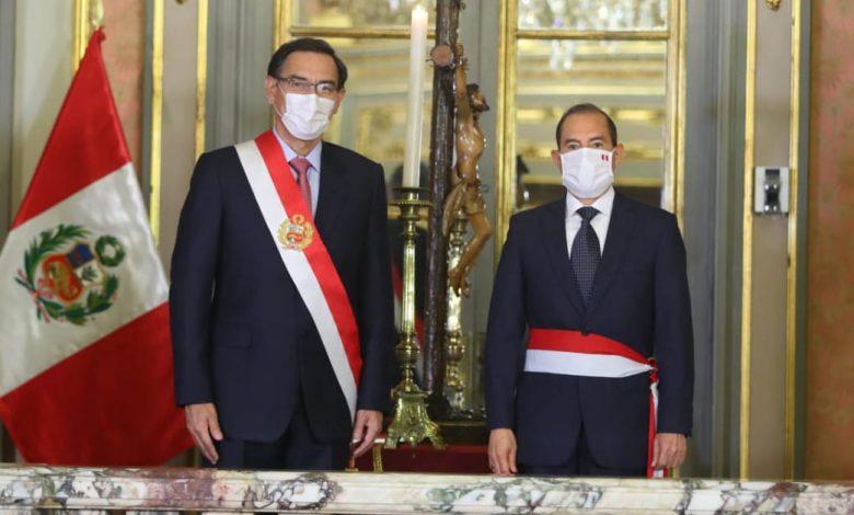 Photo of Walter Martos jura como nuevo primer ministro en medio de crisis