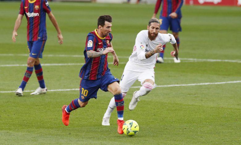 Photo of El Real Madrid derrota al F.C. Barcelona en el clásico y el VAR da qué hablar en las redes.